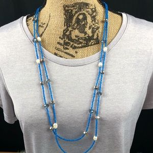 Double strand necklace in blue with earrings